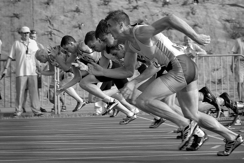 Kiihtyvyys säätelee juoksuvauhtia